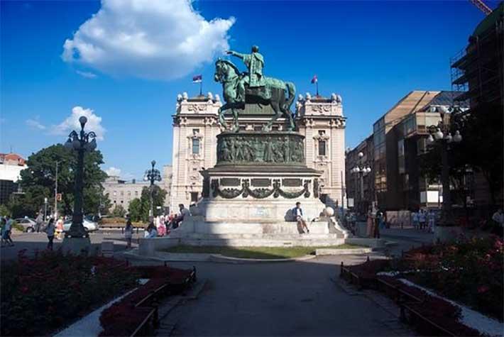 Mihailo Obrenović Anıtı